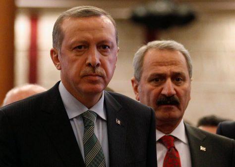 """Zafer Çağlayan """"Tevbe sureli"""" profilinden vazgeçti"""