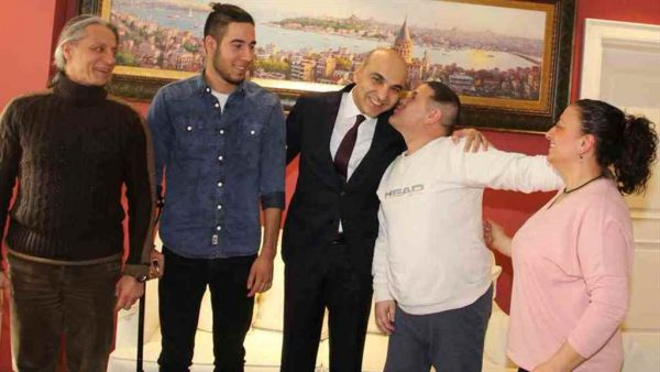 Mucize hastalardan Başkan Kerimoğlu'na teşekkür ziyareti