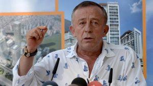 Ali Ağaoğlu kendi aleyhine başlatılan kampanyayı imzaladı