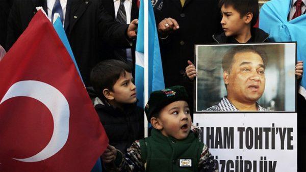 Uygur fikir adamı İlham Tohti Nobel Barış Ödülü'ne aday!