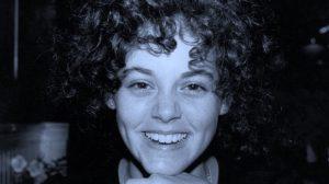 Rebecca Schaeffer hayranı tarafından öldürüldü