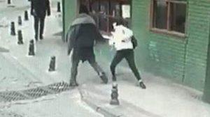 Genç kıza sokak ortasında yumrukla saldırdı, serbest bırakıldı!
