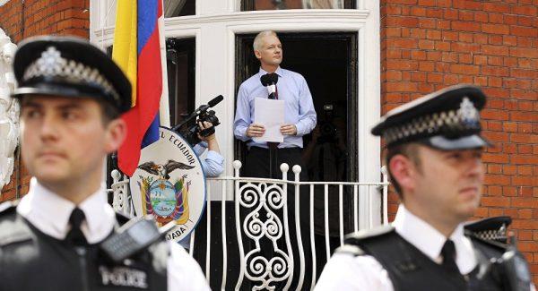 Assange kaçırıldı mı? Attığı son tweet'te yer alan şarkı şifre mi içeriyor?