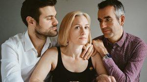 Sıradışı bir evlilik hikayesi! Bir kadın iki adam…