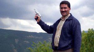 Bolu Mengene İlçe Milli Eğitim Müdürü'nün tabancalı fotoğrafı