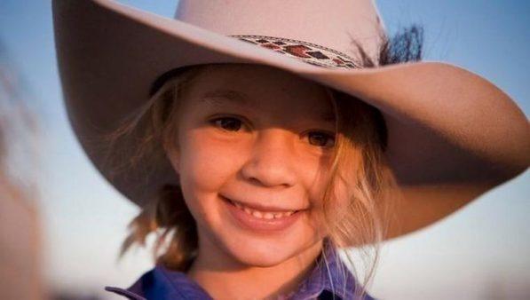 Avustralya'nın tanınan çocuk yüzü, internet zorbalığından intihar etti