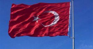 Türk bayrağına saldırı