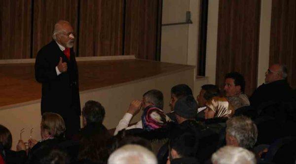 Emre Kongar'dan Biga Atatürk Kültür Merkezi'ne övgü