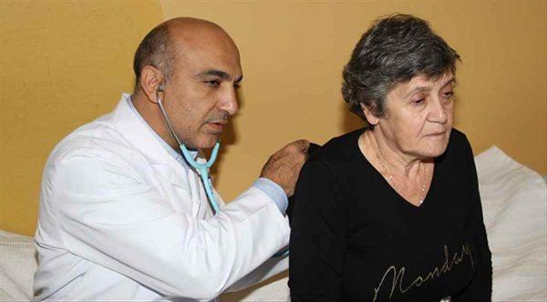 Bakırköy'de 8.439 kişiye yardımcı sağlık hizmeti