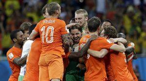 Hollanda A Milli Futbol Takımı, ünlü hocaya emanet