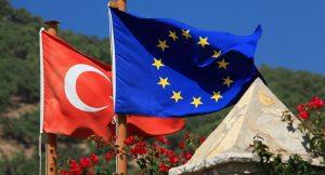 AB Komisyonu: Türkiye, AB üyeliğine doğru ilerlemiyor