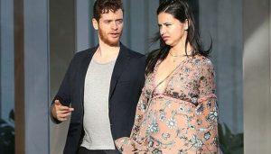 Adriana Lima hamile mi?