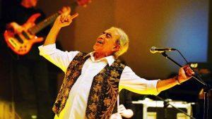 Edip Akbayram'dan konser zinciri
