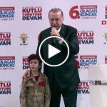 Erdoğan'dan kürsüye çıkarttığı çocuğa: Şehit olursa inşallah bayrağı da örtecekler