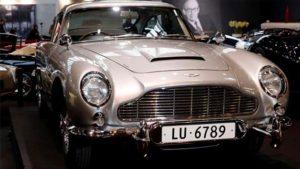 James Bond'un otomobili satılıyor