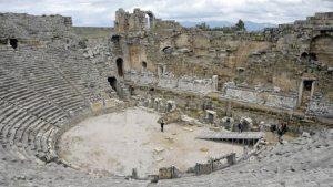 2 bin yıllık Perge Tiyatrosu restore edilecek