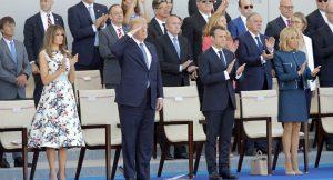 Trump'tan bir garip talimat: Uygun adım marş…
