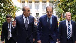 Lavrov, Çavuşoğlu ile bir araya geldi