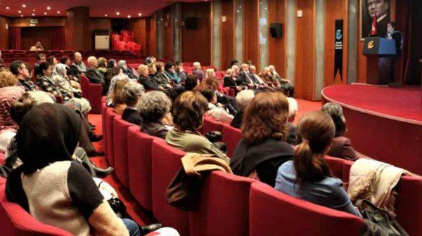 Eskişehir Büyükşehir Belediyesi'nden 'aktif yaşlanma' semineri