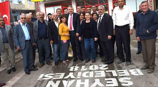 Seyhan Belediyesi yolları yenilemeye devam ediyor