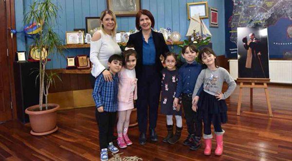 Avcılarlı çocuklar istedi Handan Başkan hemen yaptı