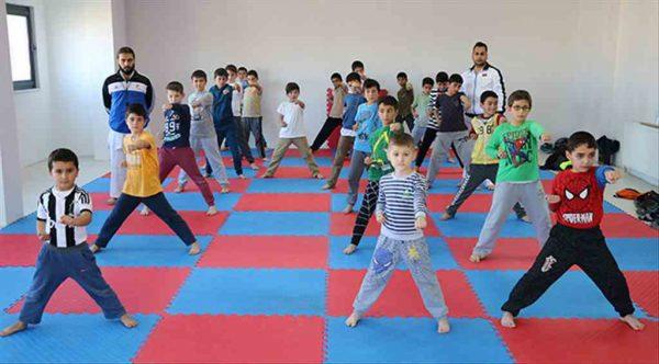 Marmaraereğlisi'nde miniklerden karate kursuna büyük ilgi