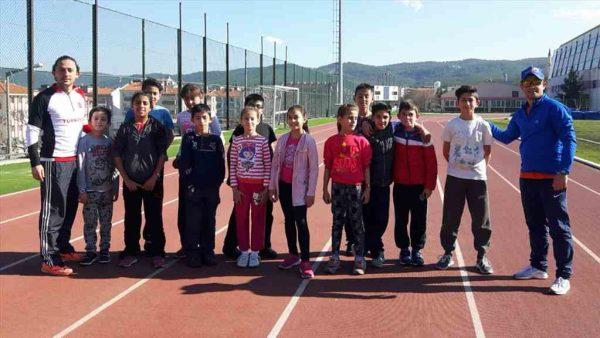 Büyükşehir sporcuları faaliyetlerine devam ediyor