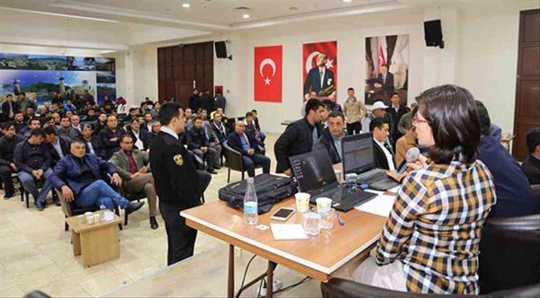 Hatay'da taşerondan işçi statüsüne geçiş sınavları devam ediyor