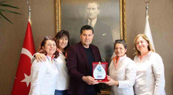 Kadın yelkencilerden Başkan Kocadon'a teşekkür