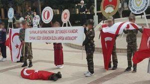 Öğrencilerin şehit cenazesi gösterisine bakan da tepki gösterdi
