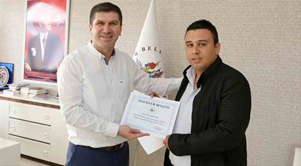 Başkan Ercengiz'den örnek şoföre teşekkür belgesi