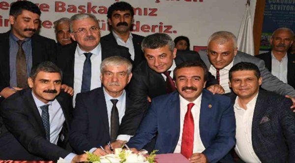 Çukurova Belediyesi'nde Türkiye'ye örnek olacak işçi sözleşmesi