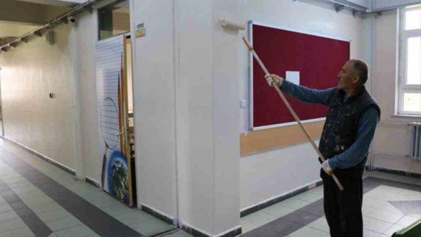 Çınarcık Belediyesi'nden okul boyama çalışması