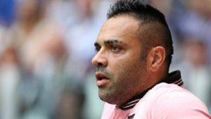 Dünyaca ünlü futbolcuya hapis cezası!