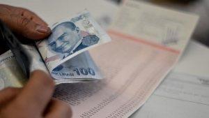 Emekliye en az bin 648 lira