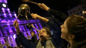 İspanya'da 8 Mart Dünya Kadınlar Günü'nde kadın işçiler grevde