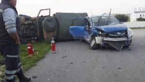 Otomobil askeri araca çarptı: Çok sayıda asker yaralı