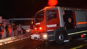 Kontrolden çıkan otobüs eve daldı
