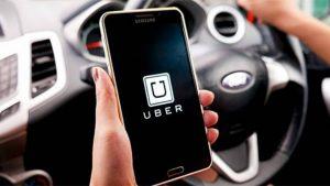 Uber sürücüsünün kadın yolcuyu dövdügü iddia edildi
