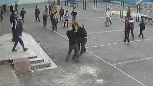 Veliden öğretmene yumruklu saldırı: 'Bütün öğretmenleri öldüreceğim'