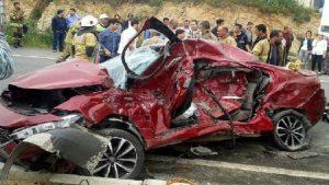 Feci kaza! Anne- baba öldü, 2 çocukları yaralandı