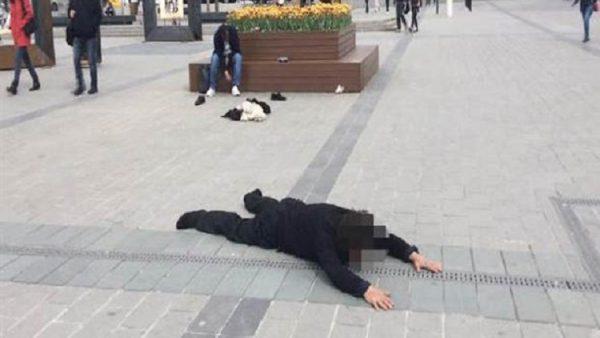 Taksim'in ortasında ibretlik görüntü