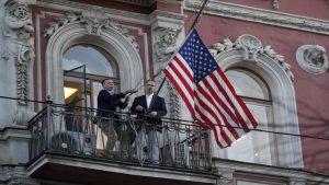 Rusya'da ABD bayrağı indirildi
