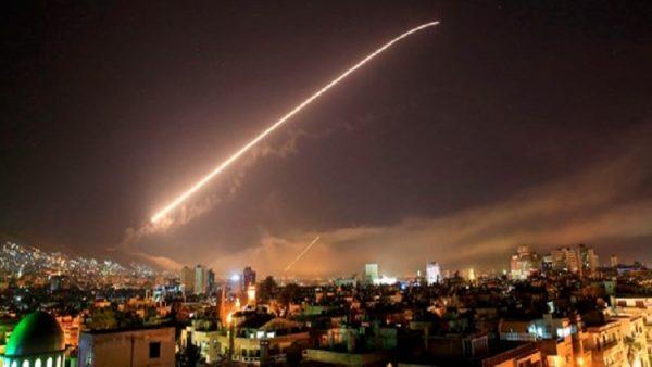 ABD Suriye'yi vurdu