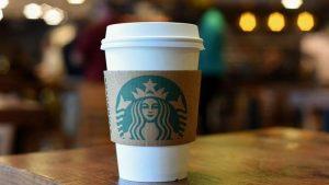Starbucks 8 bin şubesini kapatıyor