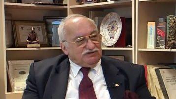 Ünlü tarihçi Ünsal Yavuz hayatını kaybetti