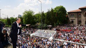 Muharrem İnce 1. Meclis'in önünde binlerce kişiye seslendi
