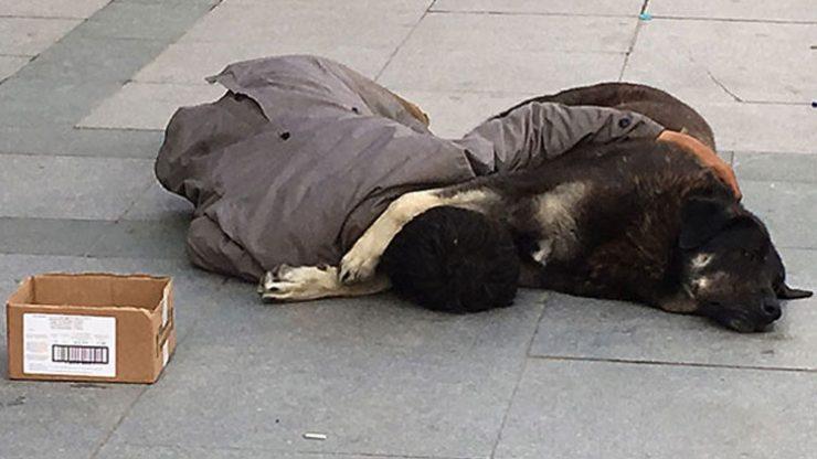 Taksim'de yürek sızlatan görüntü