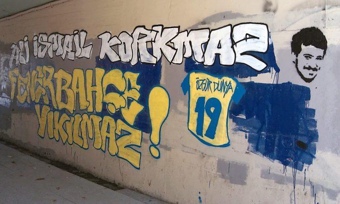 Fenerbahçe tribün grupları Ali İsmail Korkmaz'ı unutmadı!