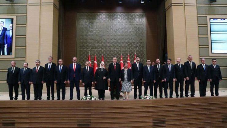 Cumhurbaşkanı Erdoğan yeni kabineyi açıkladı! Sürpriz isimler…